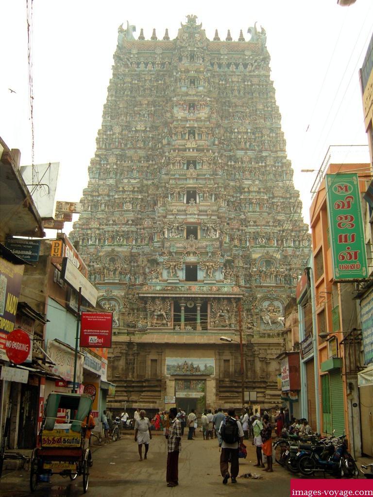 Tamil nadu, magnifique temple de Maduraï en Inde du sud...